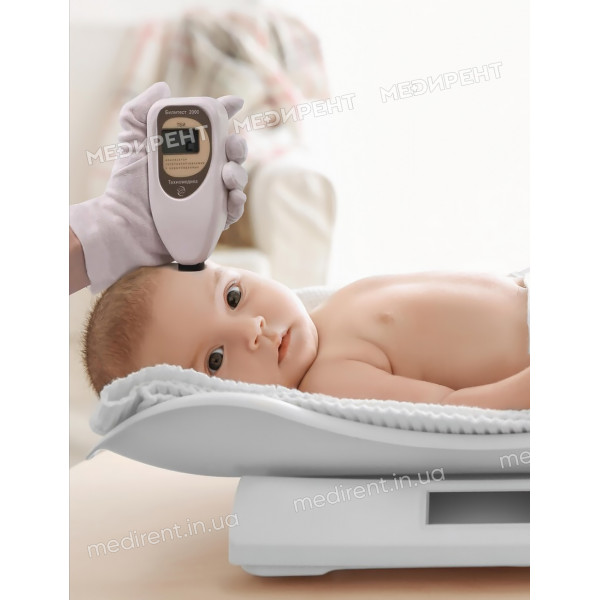 Измерение уровня билирубина и контроль веса новорожденного с помощью весов